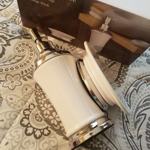 Other - Brand New Bathroom Lotion Dispenser and Soap Dish